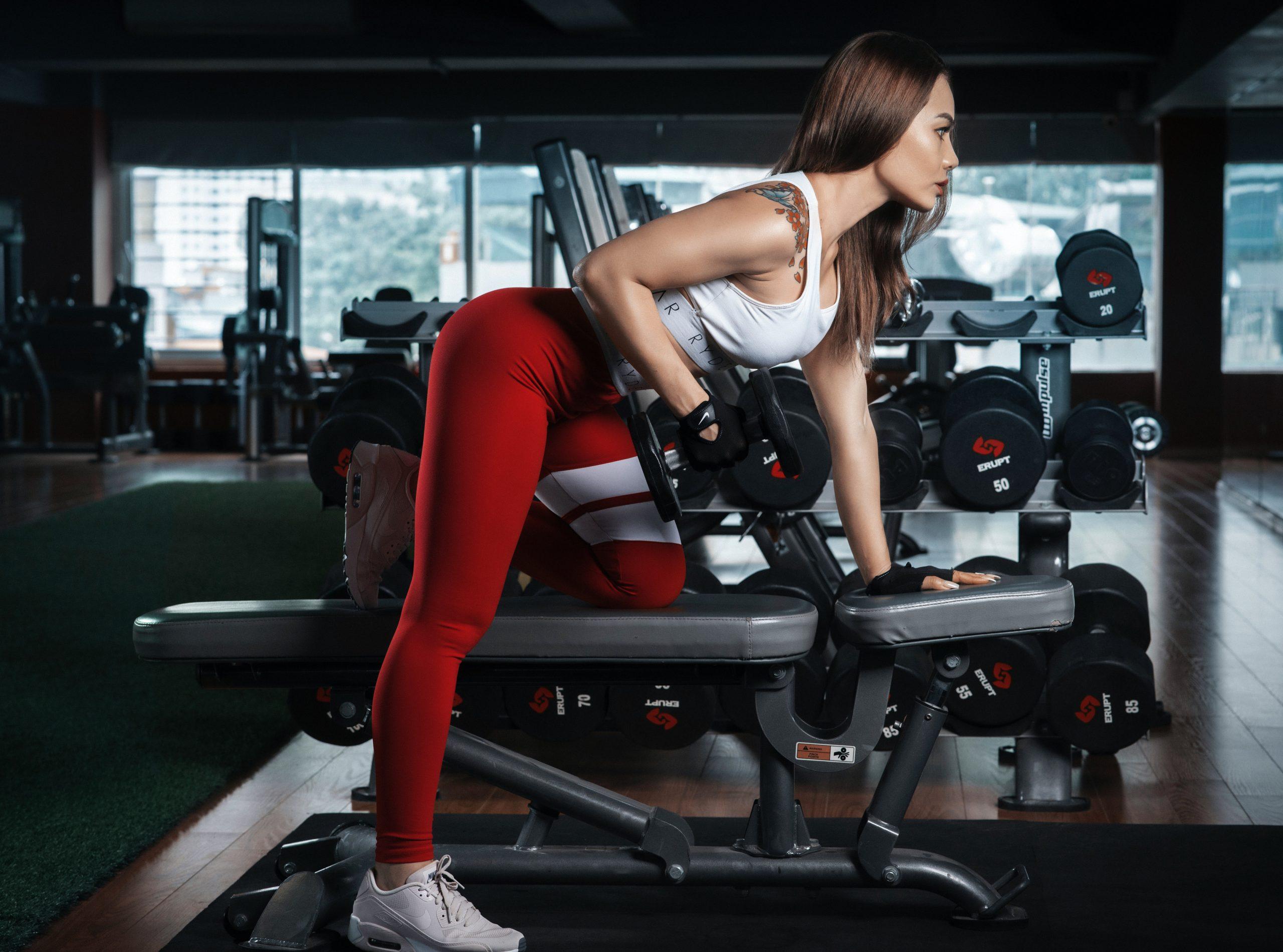 若い頃に比べて太りやすいのは筋肉の衰えが原因